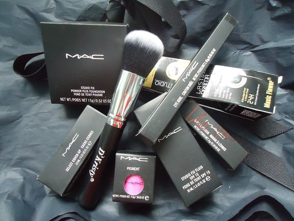 Lots 8 psc cosmetics MAC